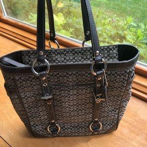 Authentic COACH medium purse